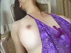 Азиаточка с огромной грудью