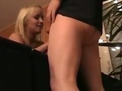 Gorjachaja semejnaja parochki pishet svoe domashnee porno-video