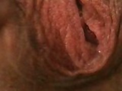 Seksualnaja Samanta masturbiruet vibro-jajcom i burno konchaet