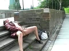 Мастурбация в общественном месте