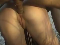 Любительский немецкий анальный секс на берегу в камышах
