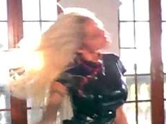 Shikarnaja fetishno-lateksnaja orgija s dvumja gorjachimi porno zvezdami