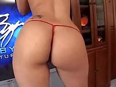 Шикарная латинская порно звезда покажет вам что такое класс