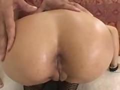 Sochnoj porno zvezde zhestko razdolbili nezhnuju pizdu i popku