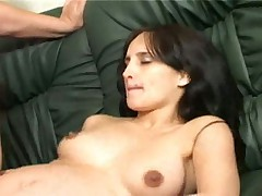 Беременная сосет и ебется
