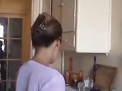Любительское порно на кухне