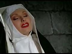 Лесбиянки в монастыре