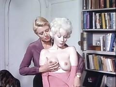 Ретро порно с классной блондиночкой