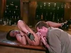 Kira Kener zanimaetsja seksom v bare