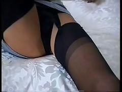 Подглянем под юбочку