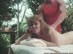 Jeroticheskij massazh vo vremja seksa po telefonu