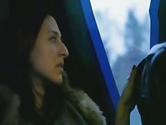 Мастурбация в задней части автобуса