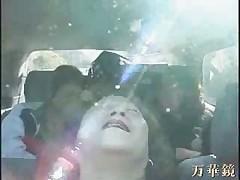 Азиатские бабули развлекаются в автобусе