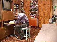 Russkaja dama v vozraste so shkol'nikom