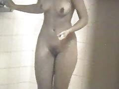 Skrytaja kamera v dushevoj