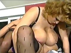Лесбиянки с большими сиськами