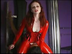 Сексуальное доминирование в латексе