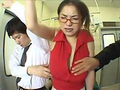 Японочку защупали в автобусе