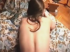 18ти летняя красотка получает заряд спермы в лицо