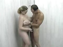 Ebat' tolstuju devku v dushe v anal