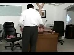Moloden'kaja na prieme u doktora