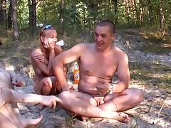 Счастливые нудисты из России