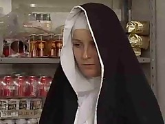 Монашка давно не видела секса