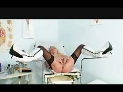 Babusja-medsestra ginekologii