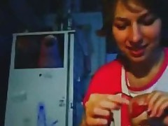 Русскую домохозяйку трахнули и кончили на личико