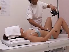 распутная японская дамочка потребовала секса по середине массажа