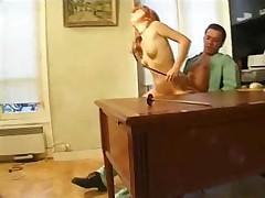 Ryzhaja francuzhenka v vintazhnom porno klipe