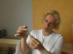 Zrelaja medsestra blondinochka