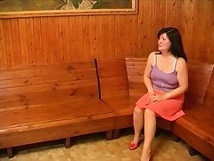 Grudastaja baryshnja bal'zakovskogo vozrasta