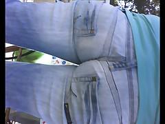 Подглядывание под юбки