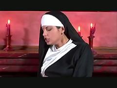 Монашка трахается