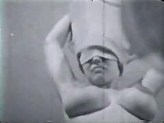 Красивая женщина Мишель Анжела с огромной грудью и волосатой киской