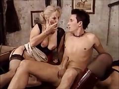Старушка и мамочка в попку