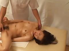 Massazh japonochki