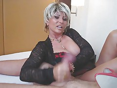 Госпожа садиться на лицо рабу
