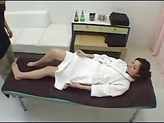Мирей Сиратори - снятый скрытой камерой массаж