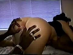 Беременная белая сучка в межрасовом сексе с двумя черными