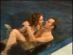Ебля у бассейна вчетвером