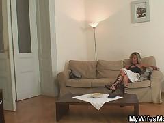 Muzh obmenjal zhenu na ee mamochku