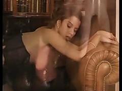 Французская жена в белье трахается с любовником