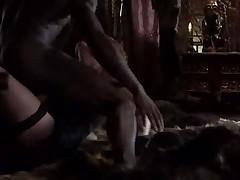 Ryzhaja krasotka trahaetsja s negrom