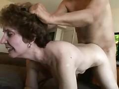 Vybritaja dyrka staruhi hochet seksa