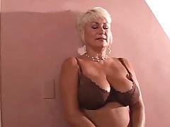 Порнозвезда Дана дает всем