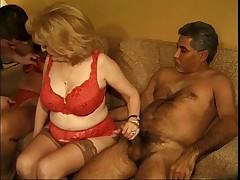 Dve seksual'nye zrelye vyebany dvumja parnjami