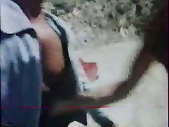 Retro volosataja pizdenka razvlekaetsja