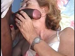 Гинеколог и зрелая француженка Агнесса